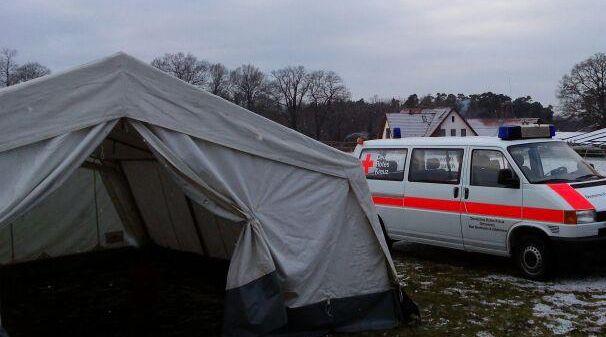 Zelte und Partygarnituren